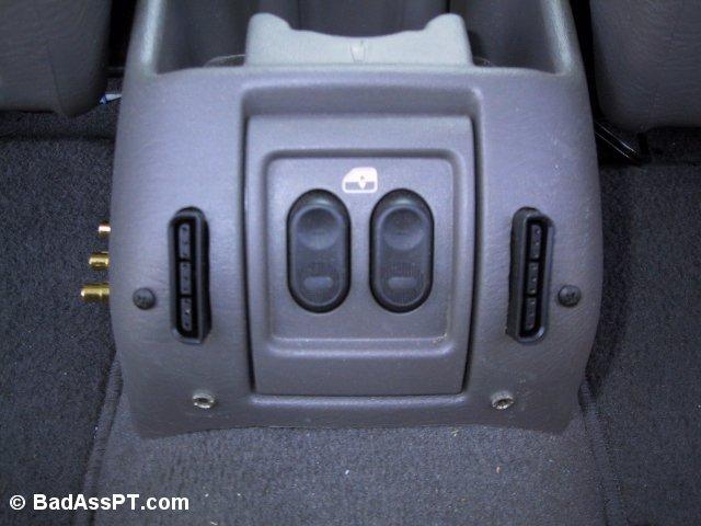 PS2 plugs